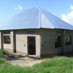 Första byggnaden (biblioteket/huvudbyggnaden) står klar